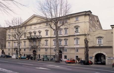 Upravna-zgrada-Palača-Šećerane